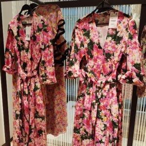 Setzte bei deinem Festival-Outfit von Zara auf Blumen!