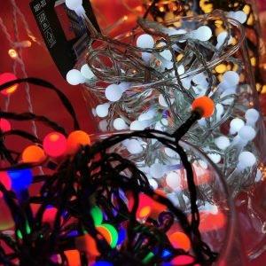 Mach es dir gemütlich mit leuchtender Weihnachtsdeko aus Holz von Saturn