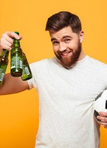 Birre fresche con gli amici