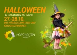 Halloween Motiv mit einem verkleideten Mädchen auf einem Besen im Hexenkostüm - HOFGARTEN Solingen- Veranstaltungen 2017