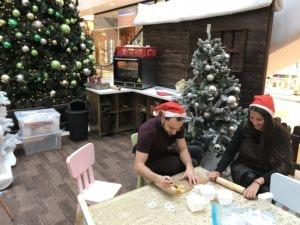 Weihnachtsbäckerei bei uns im HOFGARTEN Solingen