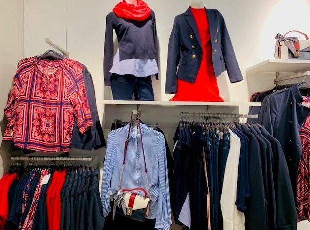Von reinem Weiß bis zu kunterbunten Outfits: Der HOFGARTEN SOLINGEN stellt die Trendfarben des Jahres 2019 vor.