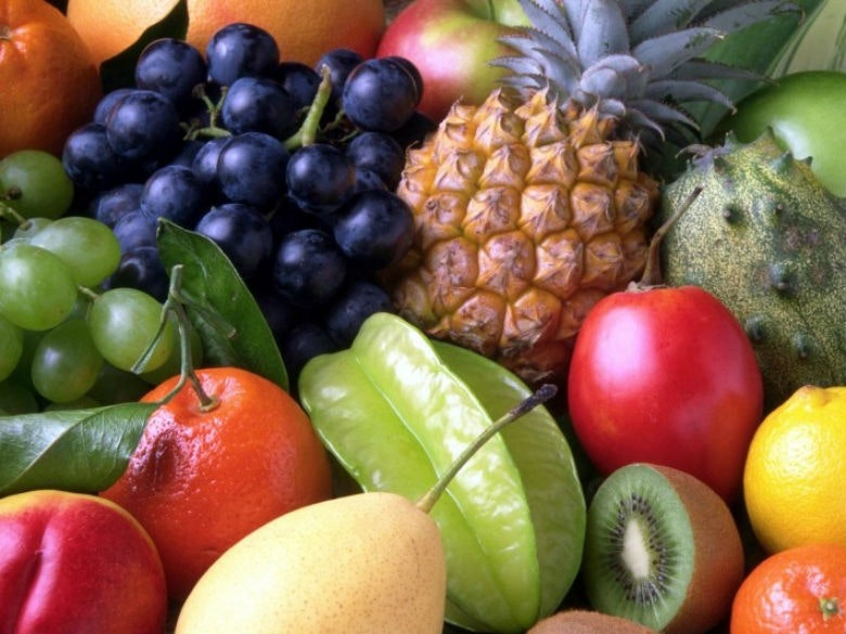 fruits-sweet-fruit-exotic-pineapple