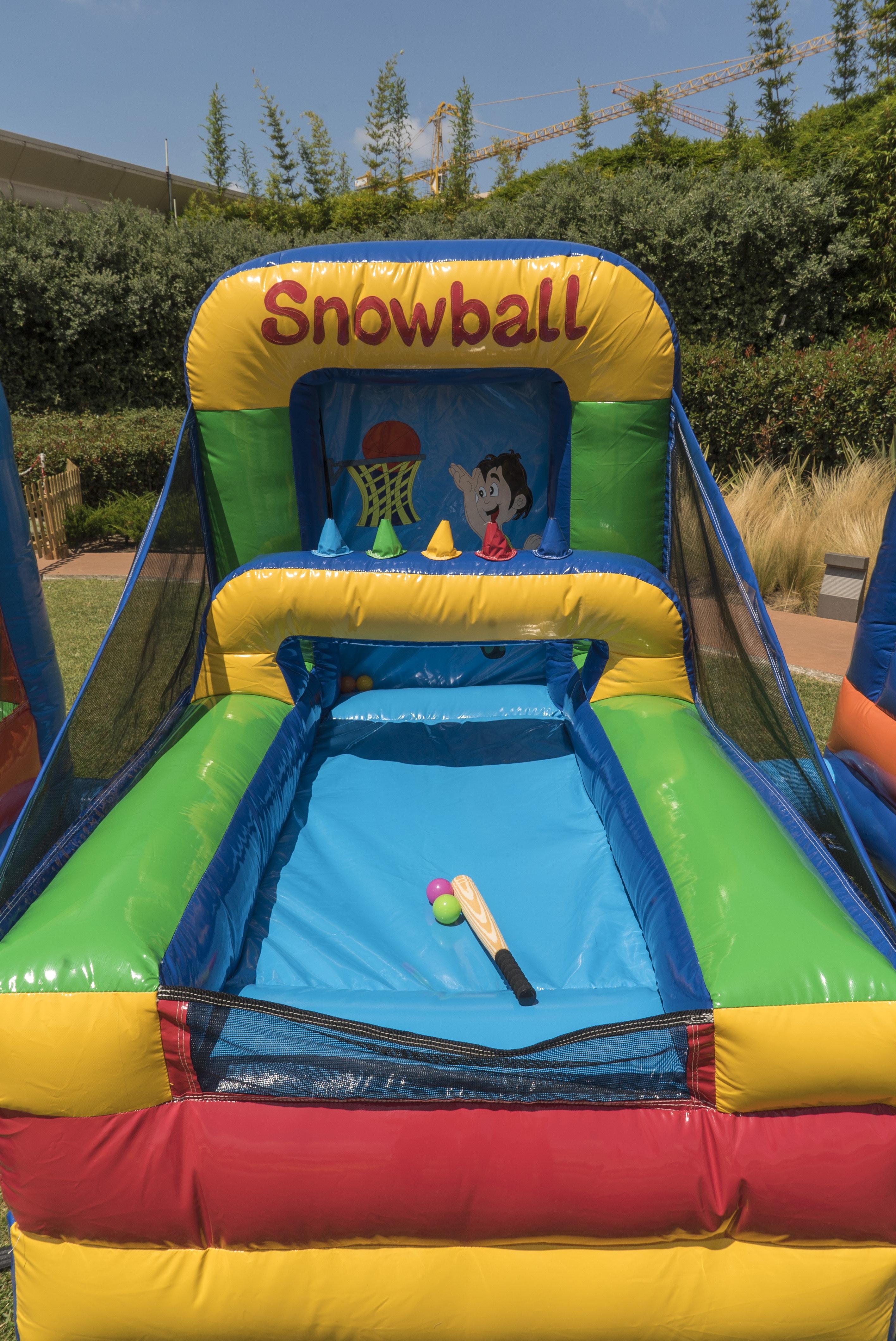 Pode visitar uma pista de Snowball...