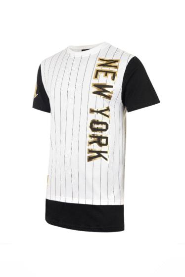 T-shirt_Majestic,_29,99€,_na_Foot_Locker