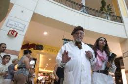 Ruy de Carvalho recebeu um enorme aplauso à chegada à Praça Central