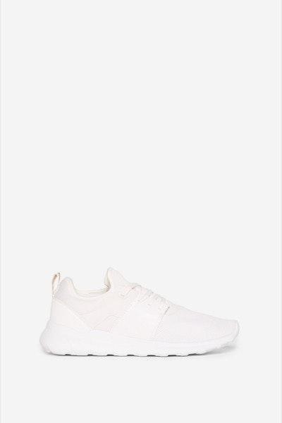 Sneakers Springfield, antes a 39,99€ e agora a 19,99€