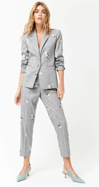 Compre este look Blazer Forever 21 - 28,70€ / Calças Forever - 21 38,00€