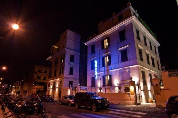 Roma: Hotel Center 1-2, 2 noites desde 234,56€, por pessoa com voos incluídos