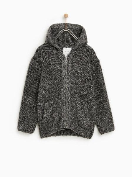 Casaco Zara, antes a 29,95€ e agora a 9,99€