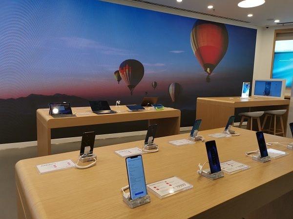 Huawei Store Video wall.jpg