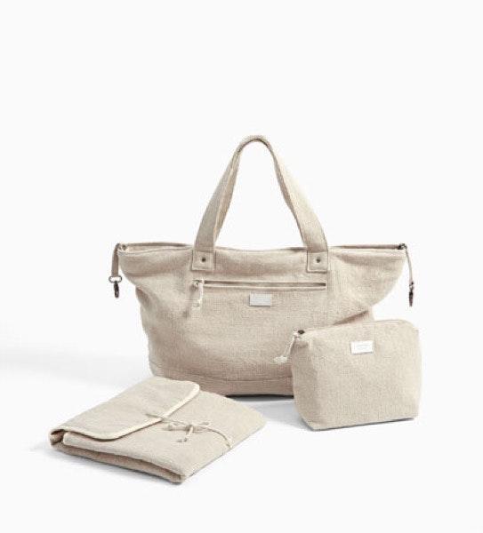 Saco de maternidade, com nécessaire e mudador, 35,95€, na Zara Kids