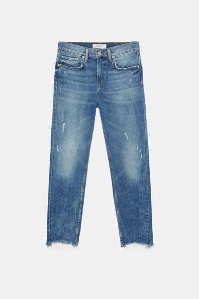 Tronco curto   Os modelos mais descaídos e o corte boyfriend são uma boa opção para fazer parecer que as pernas começam mais abaixo.   Zara, 39,95€