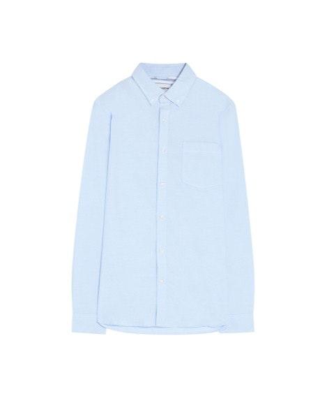 Camisa Pull&Bear, antes a 17,99€ e agora a 14,39€