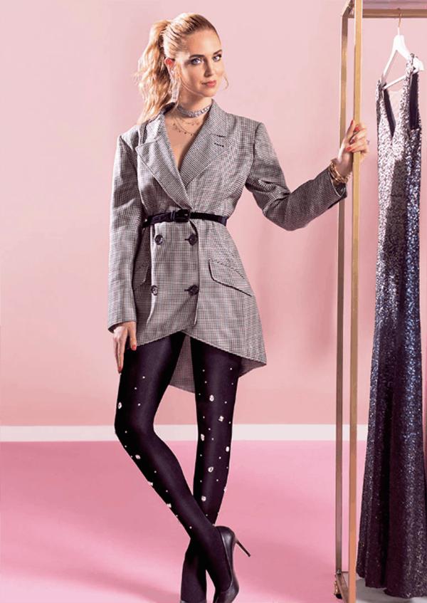 PANTS OFF, TIGHTS ON   Chiara escolheu estas meias para substituir calças e conseguir um look mais confortável e mais feminino.