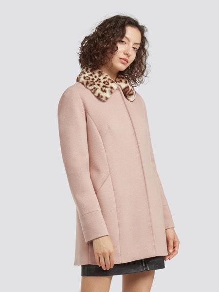 Casaco rosa pastel com gola print, 299€ -30%