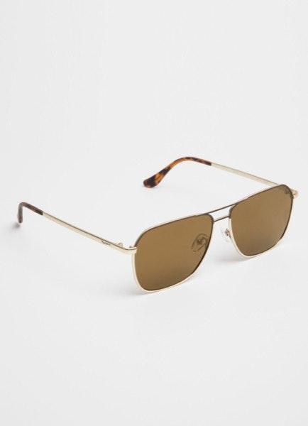 Óculos de sol, antes a 82€ e agora a 31€
