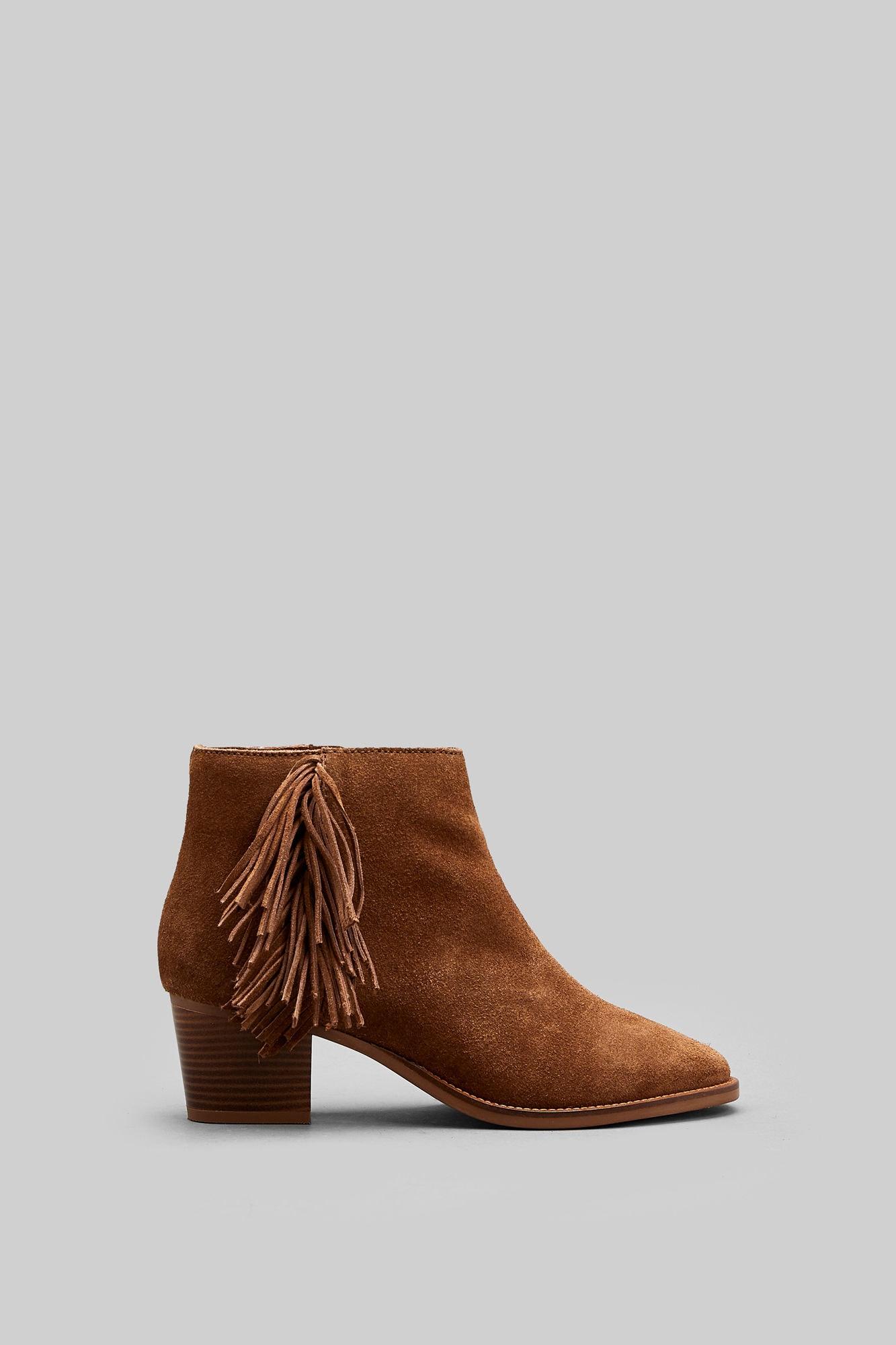 e8336d85d Botins de cowboy: 5 formas de usar a tendência - CascaiShopping