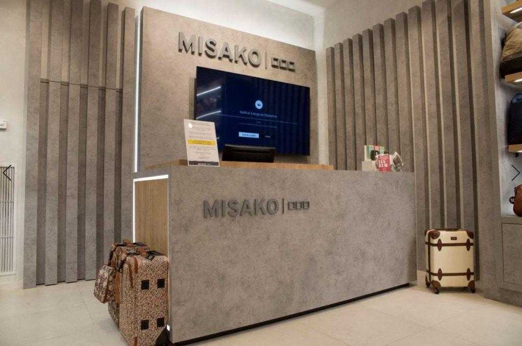 Misako-no-CascaiShopping-1.JPG