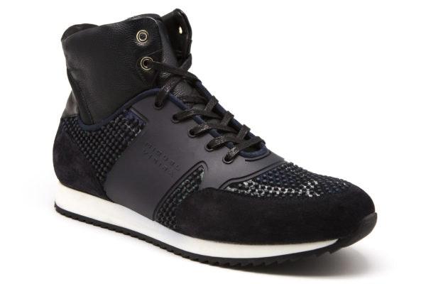 Sneakers, 237,60€