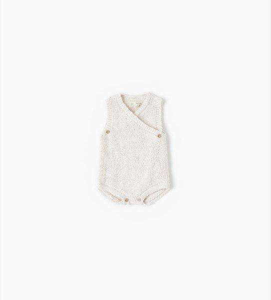 Babygrow recém-nascido, antes era a 19,95€ e agora é a 12,99€, na Zara Kids