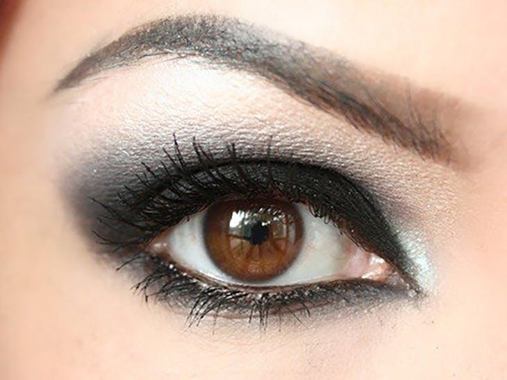 Sombras de ojos mate vs con brillo