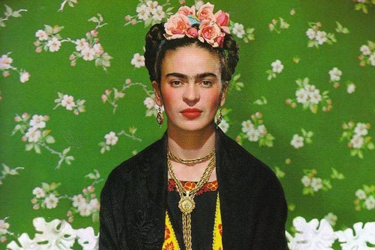 El armario de Frida Kahlo por primera vez en exposición en el museo de Londres