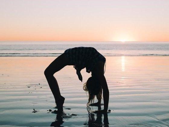 ejercicio en la playa vida sana