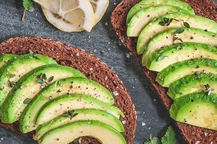 Tostadas para desayunos saludables