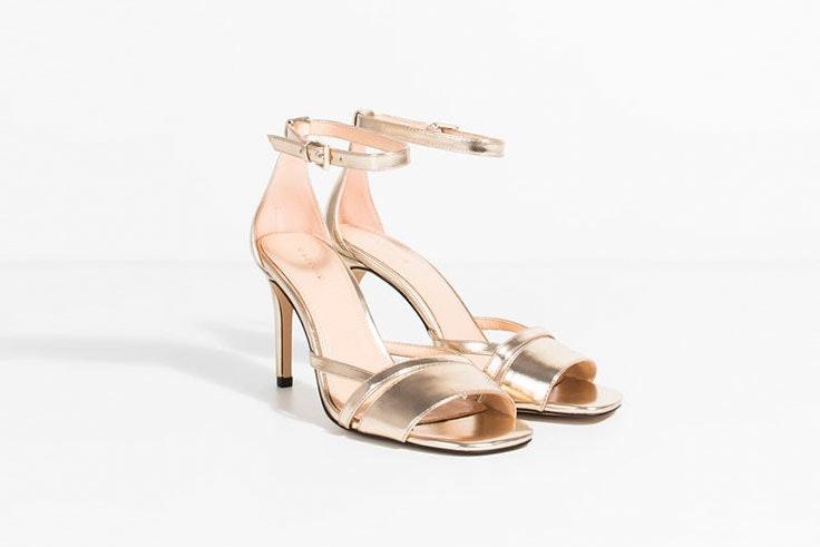 Sandalias de tacón medio para los looks de invitada