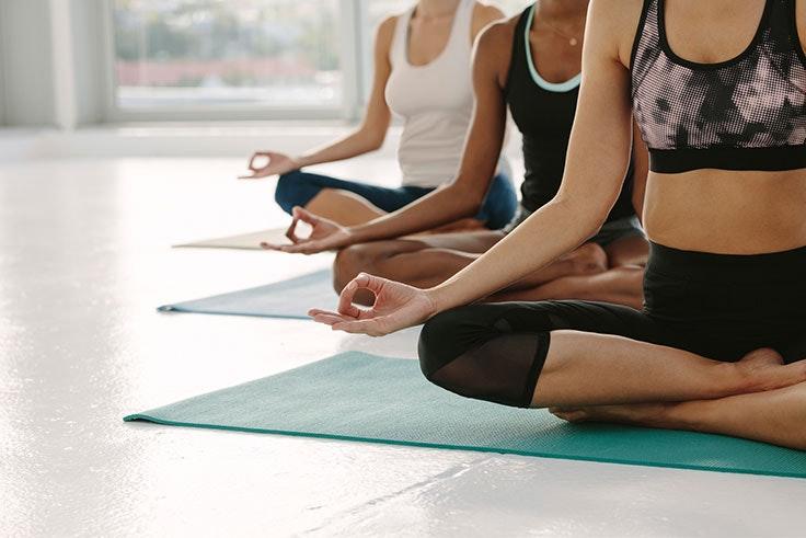 beneficios de practicar yoga