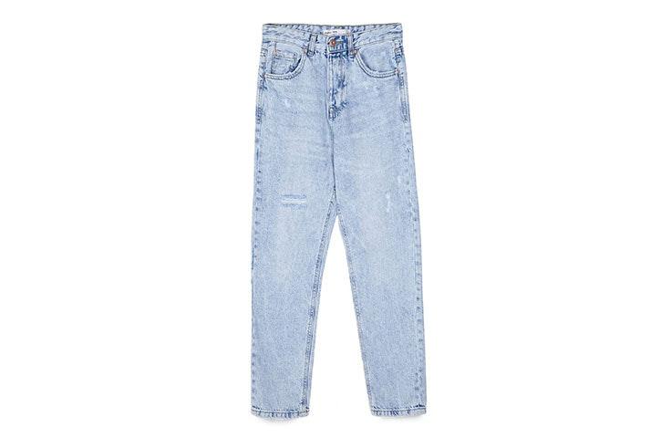 Cómo lucir el estilo californiano con mom jeans