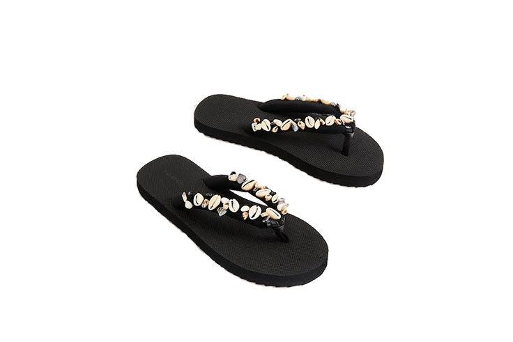Sandalias-de-conchas-en-Oysho