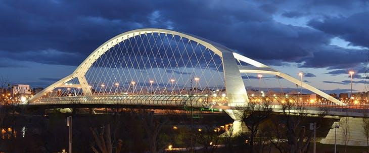 Una ruta en piragua por los Puentes de Zaragoza