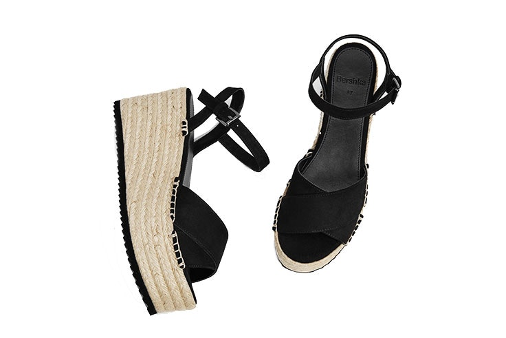 zapatos cuña Bershka