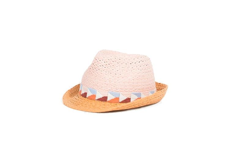 Sombrero de ala pequeña