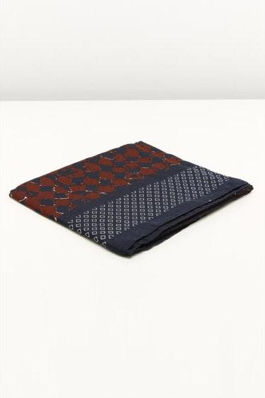 3500234-misako-daina-foulard