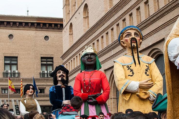 Cabezudos, Zaragoza, Pilares, fiestas