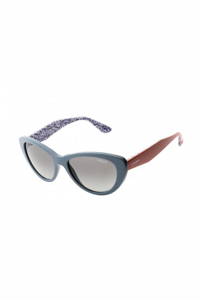 gafas de sol bicolor rojo y azul