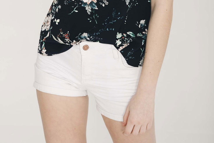 pantalon-corto-blanco-inside