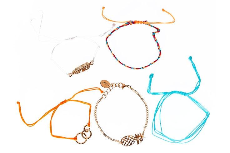 pulseras-de-colores-claires