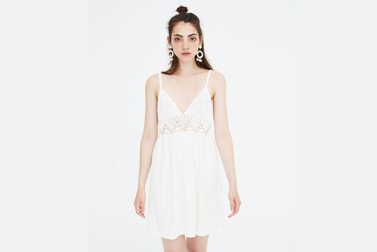 vestido-blanco-crochet-pullandbear
