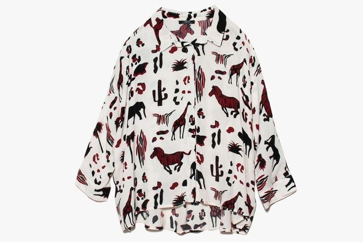 camisa-blanca-estampado-safari-parfois