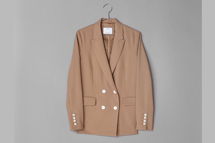 chaqueta-festival-americana-blazer-beige-bershka