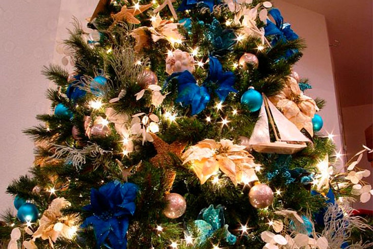 Árboles de Navidad en azul