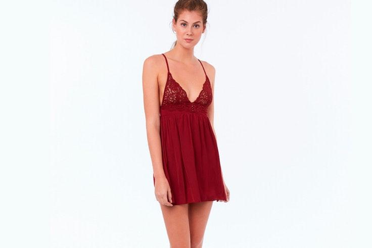 lenceria-roja-vestido-lencero-granate-etam