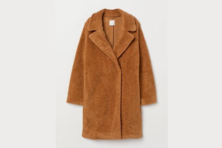 abrigo-largo-borreguito-marron-hm