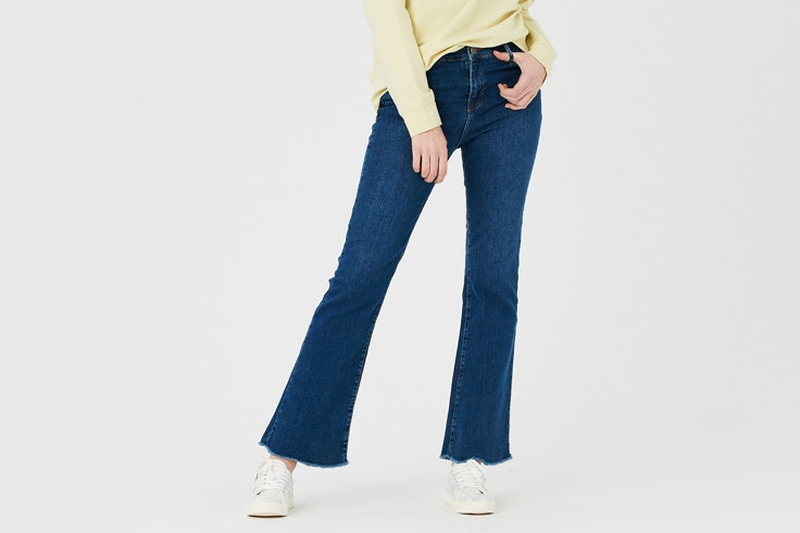 pantalon-vaquero-campana-deshilachado-inside