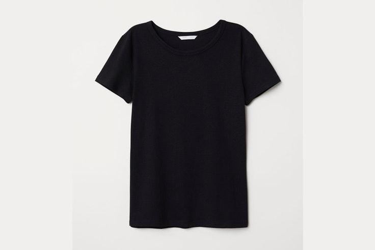camiseta-negra-manga-corta-hm