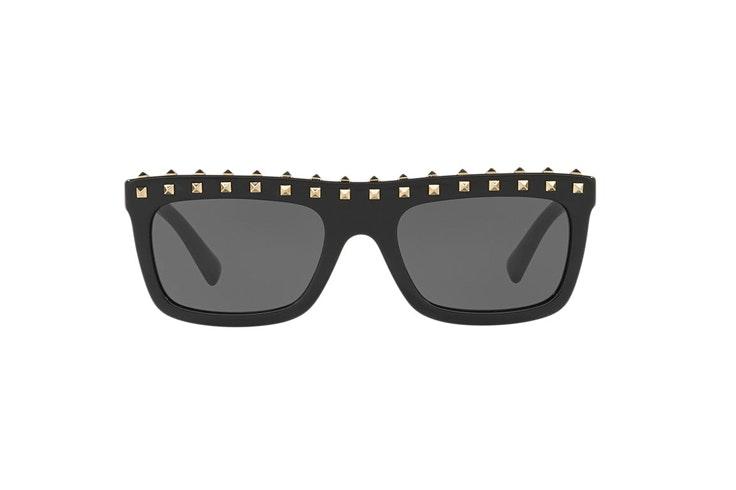 gafas-de-sol-rectangulares-pasta-negra-tachuelas-valentino-sunglass-hut